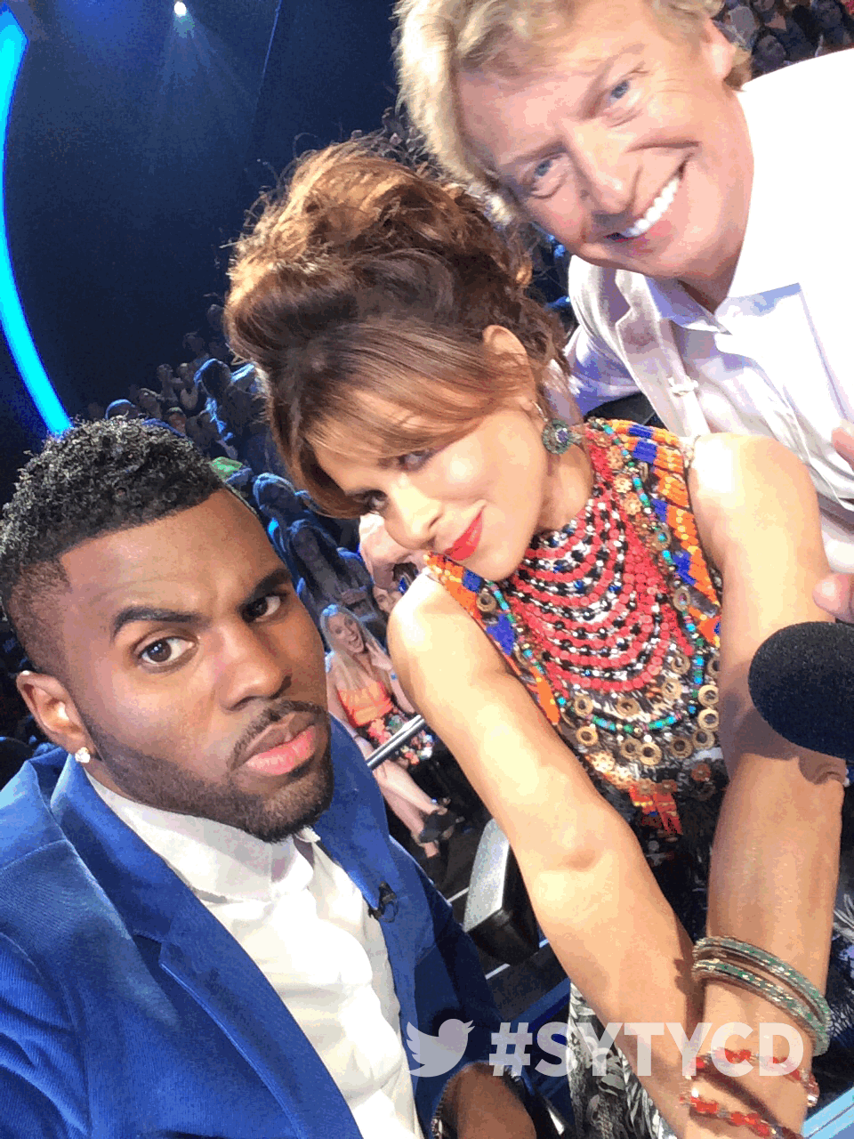RT @DANCEonFOX: Look who it is! It's your judges @jasonderulo, @PaulaAbdul, and @dizzyfeet looking flawless, as always! #SYTYCD http://t.co…