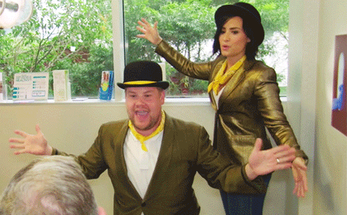 RT @latelateshow: .@ddlovato and @jkcorden doing singing telegrams? ACTIVATE JAZZ HANDS.  http://t.co/3y8VelE2HX #LateLateShow http://t.co/…