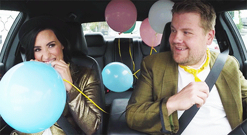 RT @latelateshow: WARNING: This may happen when you bite a balloon. #SingingTelegram http://t.co/zFZ59D8I29