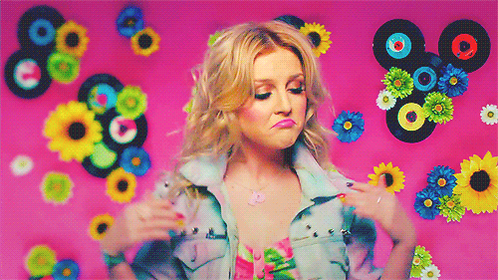 How's Perrie Edwards handling this Zayn split, you ask? PERFECTLY. http://t.co/91lnQ5LTOk http://t.co/ZxQdJ16Vss