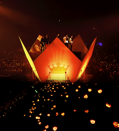 Happy 9th Anniversary and Birthday VIPz & #BI6BAN9!!!  #VIP고객감동9주년 http://t.co/8BxkpU4lKt