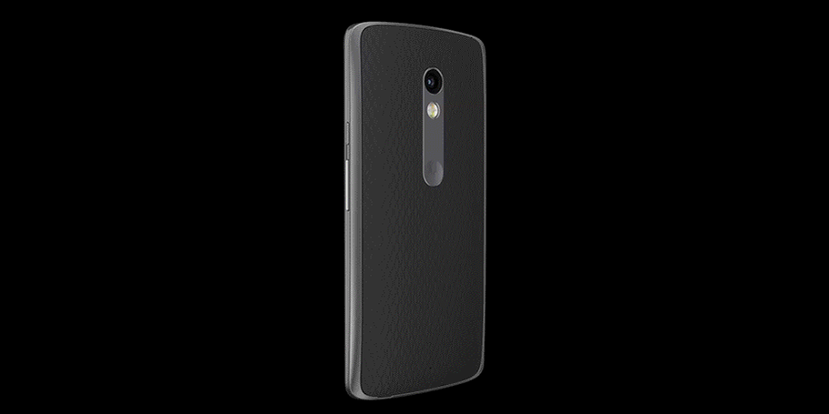 48-hour battery. Water-resistant. 21MP camera. Choose the phone that loves you back: #MotoXPlay. IN STORES FRIDAY. http://t.co/S68uvJ6xZF