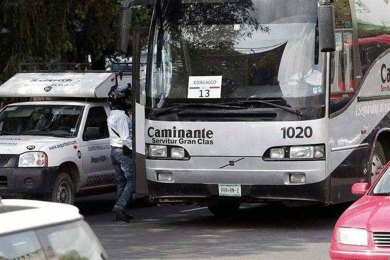Unos 140 camiones con acarreados del Edomex llegaron al DF para el Grito que dará Peña Nieto http://t.co/dhsuM71ujj http://t.co/ubiiMLSc0z