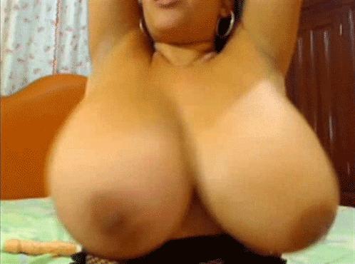 Big jiggly natural tits