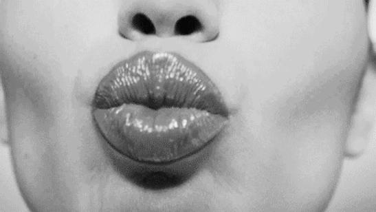 Грязный лезби она спускает ей рот — photo 13