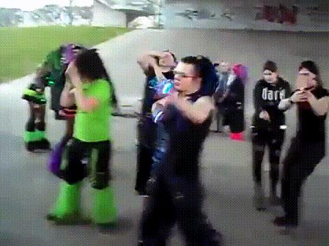 eu dançando Kill V. Maim https://t.co/PC3E0S8YNI
