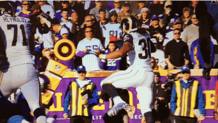 GUR·DLE ˈ/gərdl/ (v):   to jump over (an opposing player) while running; a Todd Gurley signature move https://t.co/qfwe3u8gRJ