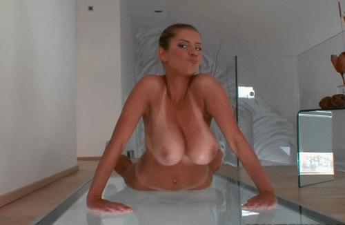 Сиька тряска такая работа каждый день порно