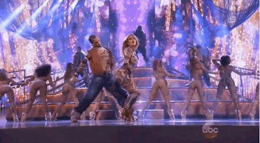 "Nicki Minaj's Face While Jennifer Lopez Danced To ""Anaconda"" Is Everything And More"