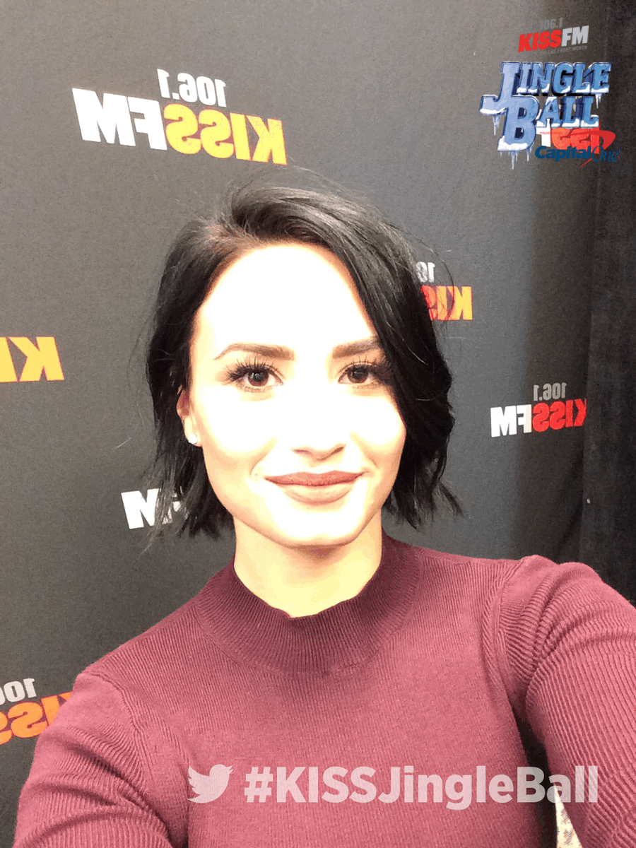 #KISSJingleBall @ddlovato #twittermirror #iheartradio https://t.co/rS5sbJ0N0E