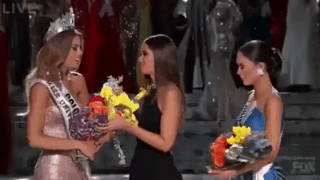 #MissUniverse2015 in one gif! https://t.co/FYopbnSZ89
