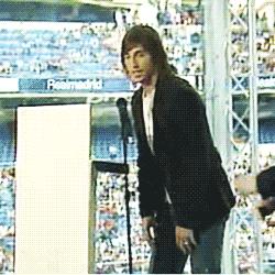Grandes momentos en el antepalco del Bernabéu. https://t.co/ePMwuyxIIa