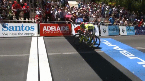 That was close!! @DiegoUlissi came in second, just inches behind Stage 2 winner @jaymccarthy1 #TDU https://t.co/5Ot6tp4VCp