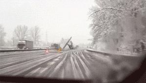マヂで雪嵐やまない https://t.co/QfkbUCmXN7