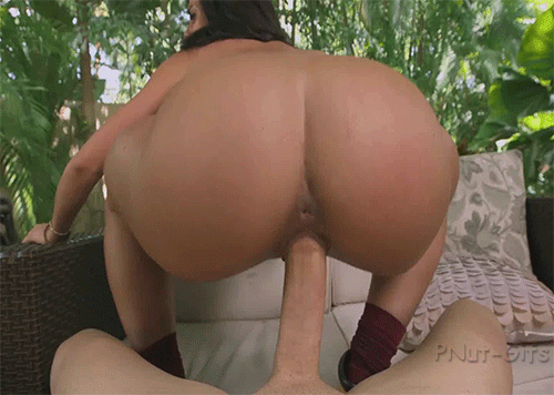 Big ass latina twerking on dick
