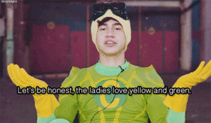 Happy Birthday to our favourite yellow and green superhero @Calum5SOS!!! #calpal https://t.co/eLtx0LFCvo