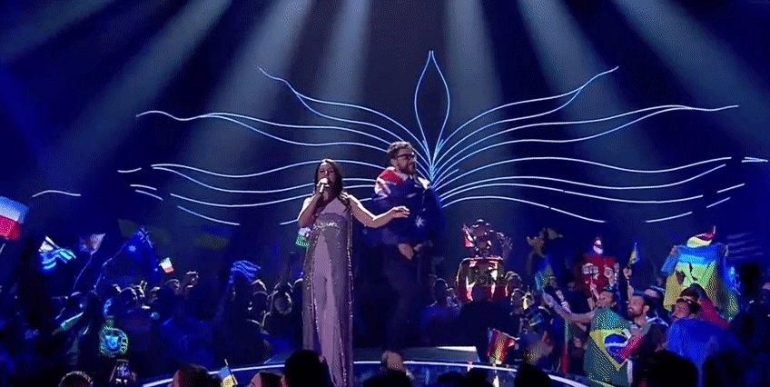 Eurovision Australia fan got on the scene during Jamala perfomance