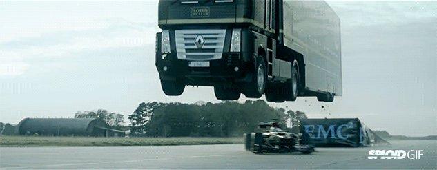 #HumpDay Vibes: #F1 @RenaultSportF1