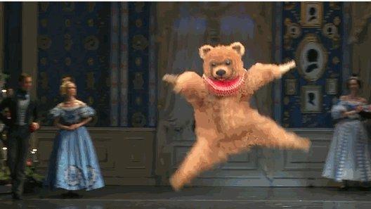 下のクマちゃんのBoston Ballet演目は「くるみ割り人形」なんやねおおー動いてるとまた キレキレでかっこいい! pic.twitter.com/JTHahTUaXP