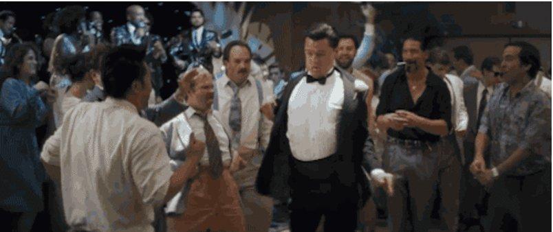 LEO FINALLY HAS HIS OSCAR! #Oscars Everyone right now: https://t.co/puAevZVLcZ