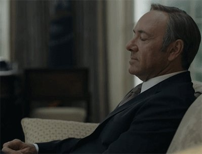 Who else is binge watching #HouseOfCards this weekend? https://t.co/gVvHAovBZI
