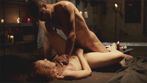 kino-otkritimi-stsenami-trahanie-massazh-krasiviy-seks-bryunetka