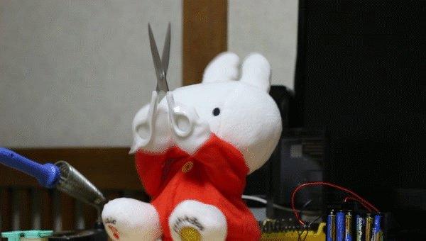 ミッフィー・・・・RT @mansooon: いないいないばあをするミッフィーの人形にハサミを持たせるとかなり怖いので気をつけて下さい https://t.co/EnPSZb0yUa https://t.co/VERBBOkPhf