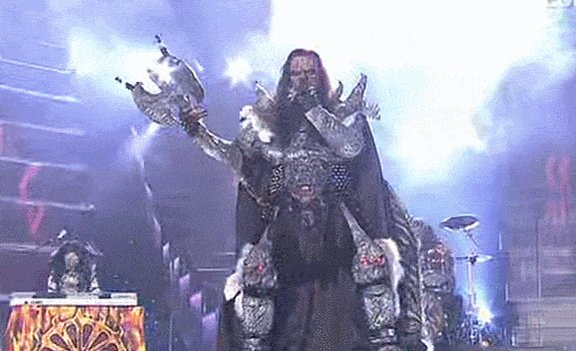Never forget, this actually happened. And it was the best thing ever. #HardRockHallelujah #Eurovision  #Lordi https://t.co/NEVGxwiT2P