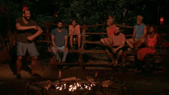 There's always time for a twist! #SurvivorFinale https://t.co/clEXzO0oMw