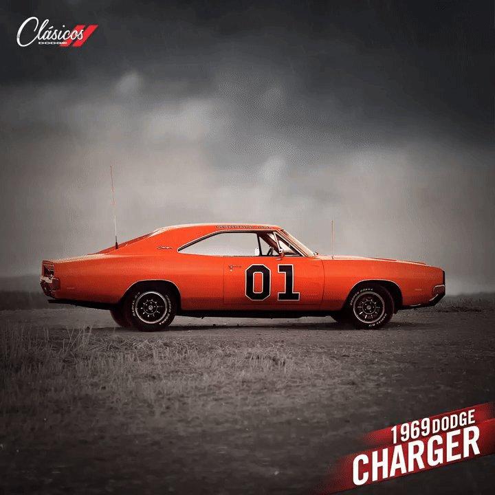 Un temerario e imbatible del camino #DodgeCharger 1969 RT si te gustaría tener este #ClásicoDodge en tu cochera. https://t.co/8ODWlOybmn