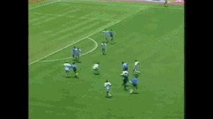 "30 years ago today, Diego Maradona controversially scored with his ""Hand of God"": https://t.co/9H2apPKMG8 #Football https://t.co/Lev5Onftjf"