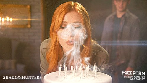 We know we aren't supposed to tell, but we're wishing for 2017 to get here ASAP. #Shadowhunters https://t.co/RkE0jWEIvg