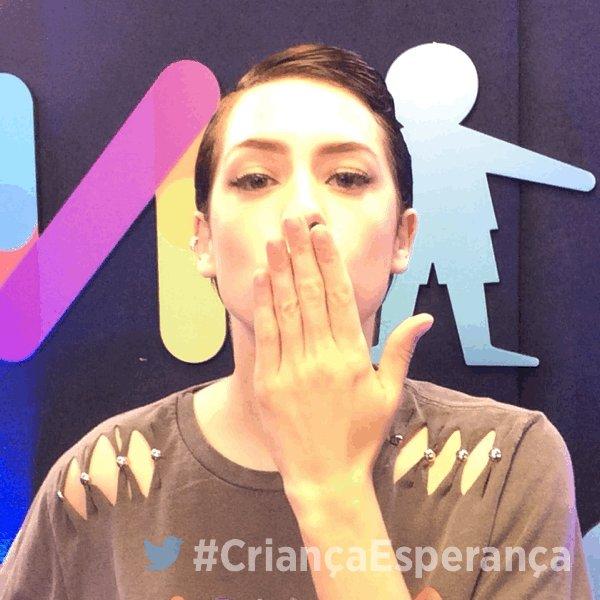 A linda @sophiaabrahao também vai atender a sua ligação #CriançaEsperança https://t.co/I1vvz4EgVn