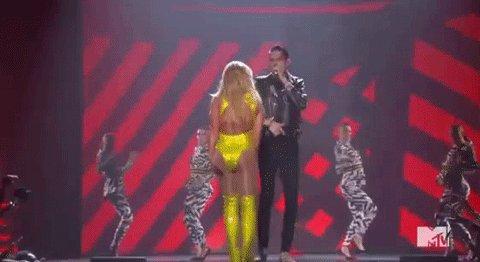 Fiesty, fiesty @britneyspears! #VMAs https://t.co/mTLzWWTtu2