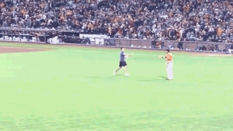 Idiot On The Field Gets Bodyslammed By Angel Pagan https://t.co/OAX3VJX3hI https://t.co/BMMYaxNvbG