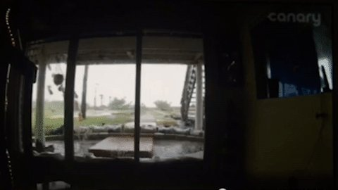 INCREDIBLE VIDEO: Watch as these waves crash into this Palm Coast house! https://t.co/R4Ty2ytBEg #HurricaneMatthew https://t.co/hJ0xUC2MzP