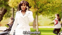 .@HillaryClinton is wearing a white suit so she's obviously channeling Olivia Pope. #debatenight #itshandled https://t.co/UrA8KJWfFu