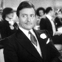 Happy birthday to the forever charming rascal, #ClaudeRains!! https://t.co/AbOES9oAks