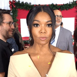 @itsgabrielleu #almostchristmas gets 2 thumbs up! Funny movie https://t.co/v73os5ys51