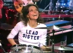 A happy heavenly birthday to Karen Carpenter!!