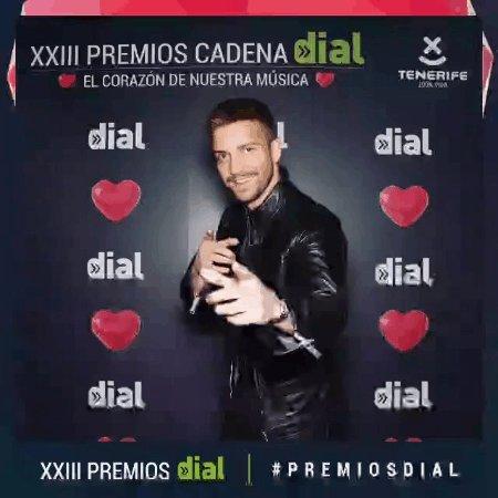 Equipo Pablo Alborán's photo on #PremiosDial