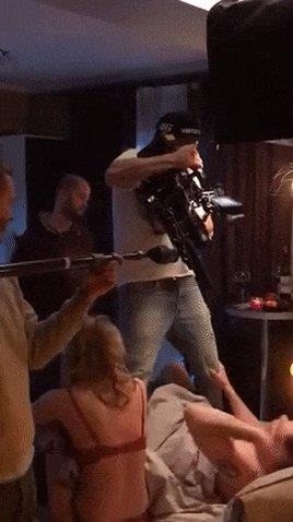 베드씬 촬영장면 이게 뭐얔ㅋㅋㅋㅋㅋㅋㅋㅋㅋㅋㅋㅋㅋ수치플이 따로 없닼ㅋㅋㅋㅋㅋㅋㅋㅋㅋㅋ하지만 이렇게 찍을 수 있으면 앞으로도 더 많은 촬영장에서 이렇게 찍었으면 ^^