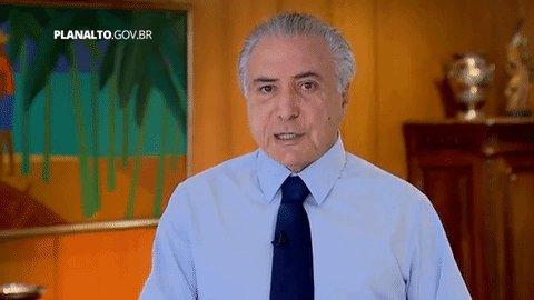 Antes de ser preso, @MichelTemer vinha mantendo uma rotina tranquila. O ex-presidente queria escrever um romance, um livro sobre a Presidência da República e estava gravando um documentário chamado 'O Brasil de Temer.' http://bit.ly/2HNevoy