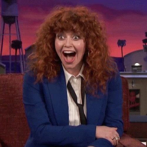 Happy birthday too Natasha lyonne I hope you have a great birthday you one of my favorite ator