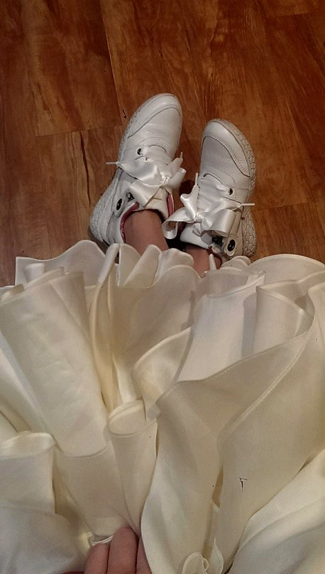 Do you know what's #in what's in #vogue what's #fashion what's #moda this year? #sneakers with everything, even with #wedding #dresses. More&more people want to be confortable, cute & fashionable. Look at this #cuties from… http://tailorlove.com/2019/04/24/do-you-know-whats-in-whats-in-vogue-whats-fashion-whats-moda-this-year-sneakers-with-everything-even-with-wedding-dresses-moremore-people-want-to-be-confortable-cute-f/…