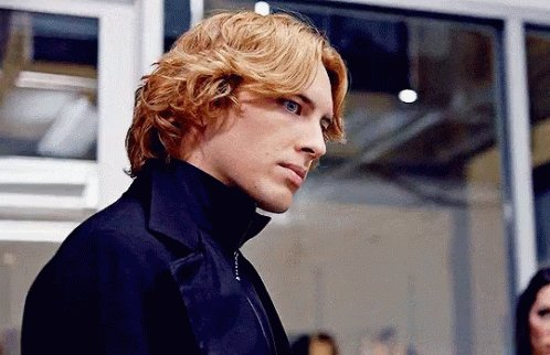 @CMaeTay Reminds me of Cody Fern in #AHSApocalypse https://t.co/rT5tqLfsX8