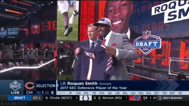 Just rewatched @RoquanSmith1 get drafted by #DaBears on @nflnetwork. Man that was an amazing night! 🐻⬇️