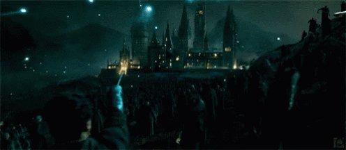 21 anos da batalha que levou inúmeros bruxos; que definiu o futuro; que encerrou um ciclo.  21 anos da batalha que jamais será esquecida pelos potterheads.   #21YearsBattleOfHogwarts ⚡️
