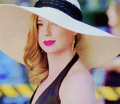 Happy birthday to this cutie called Emily VanCamp EMILY OUR PRIDE