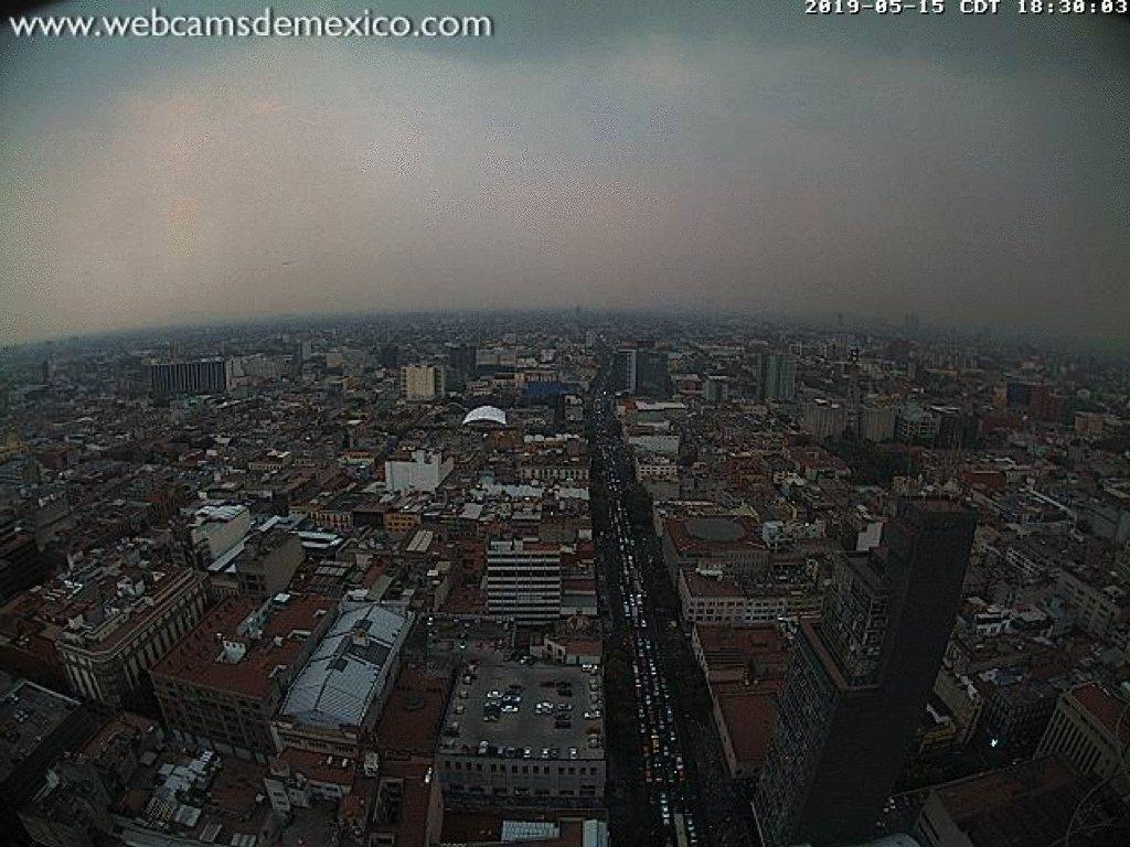 ¡Por fin está lloviendo en la #CDMX! Bendito seas Tláloc  Así es como se ve desde la Torre Latino GIF @webcamsdemexico